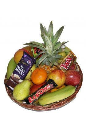 Fruit and chocolates gift basket